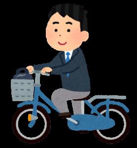 自転車に乗る高校生